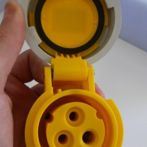 Elettro Canali IP67 110V 2P+E Trailing Socket